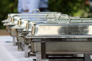 Gastro vybavení pro přepravu jídel a nápojů